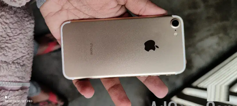 used I phone 7 gold 128gb sale urgent for sale